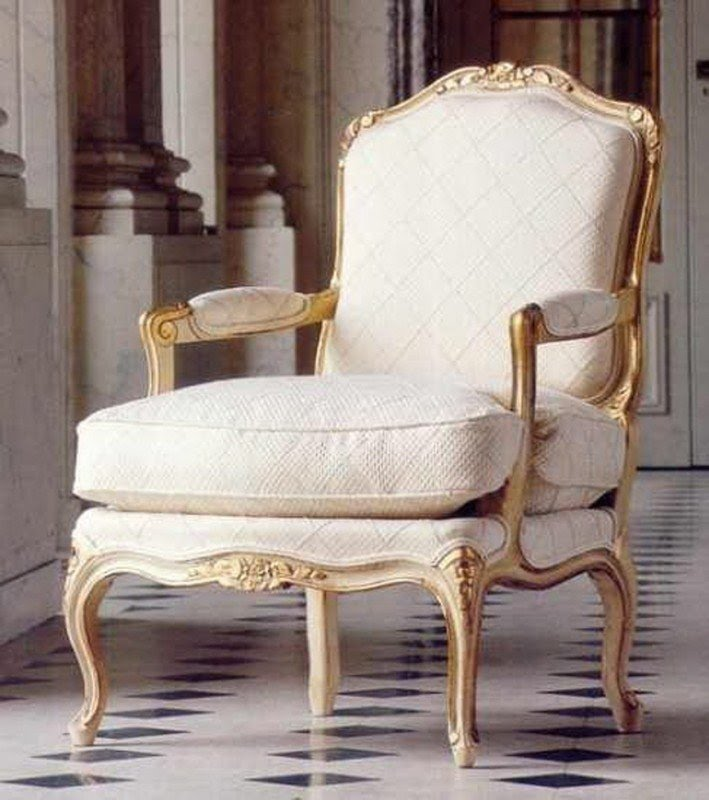 Charmant French Style Salon Arm Chair