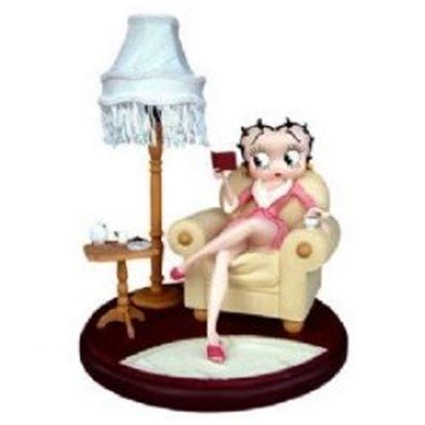 Betty boop in armchair table lamp