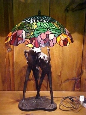 Lg tiffany style lamp w frogs on bronze base 1