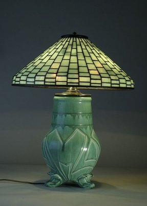 Lighted Base Tiffany Lamp Foter