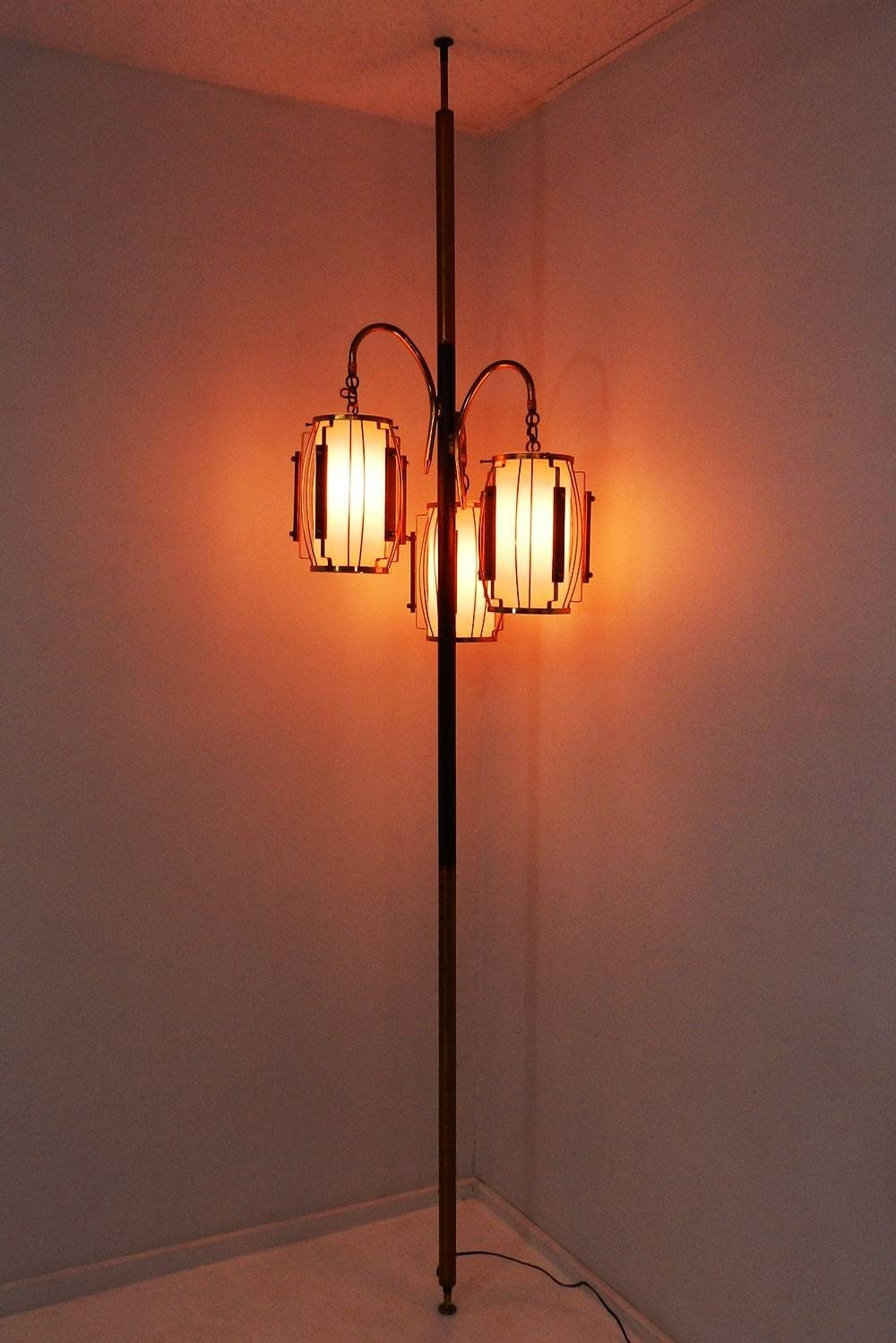 Floor To Ceiling Tension Pole Lamp