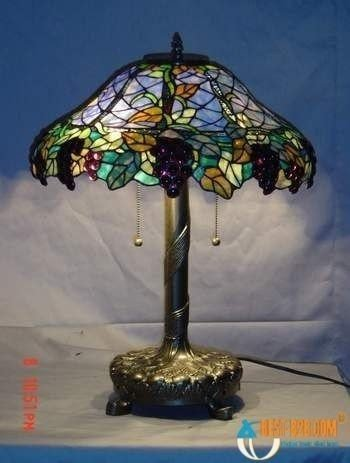 Grape tiffany table lamp