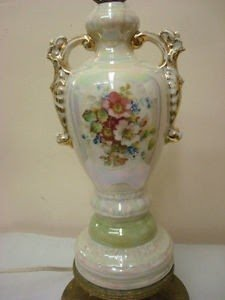 Genial Vintage Worrall Hand Painted Fancy Collectable Gold Trimmed Porcelain Table