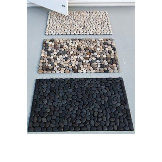 Pebble shower mat 4