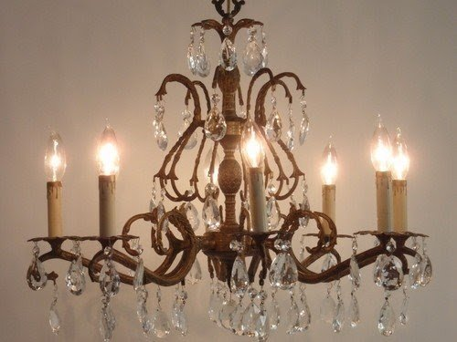 Gorgeous vintage large 8 arm brass crystal pineapple chandelier