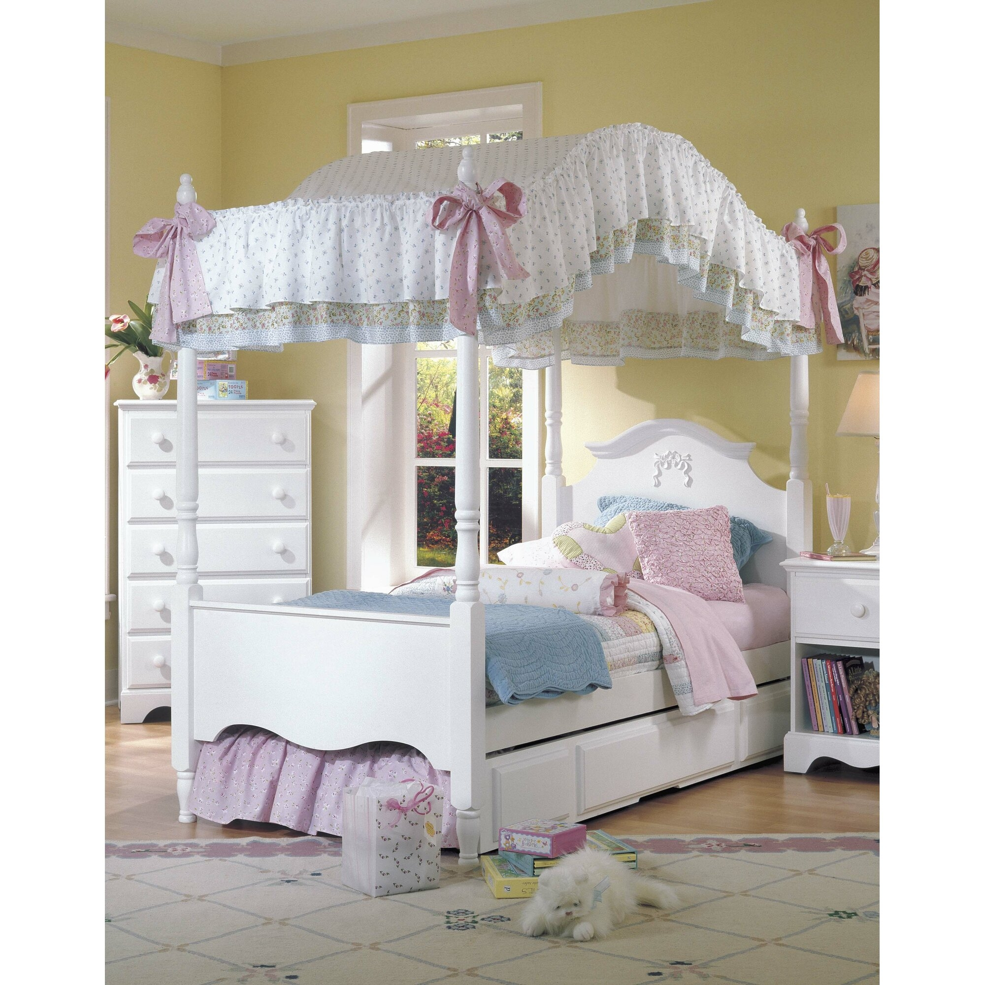 Girls Canopy Bedroom Set   Ideas On Foter