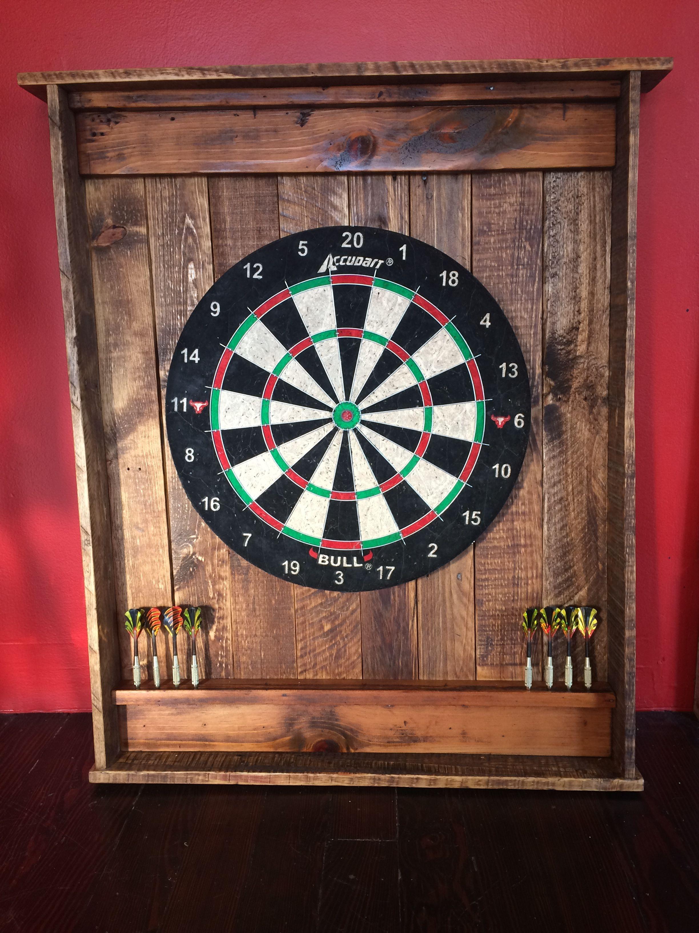 Superbe Dartboard Cabinet Set