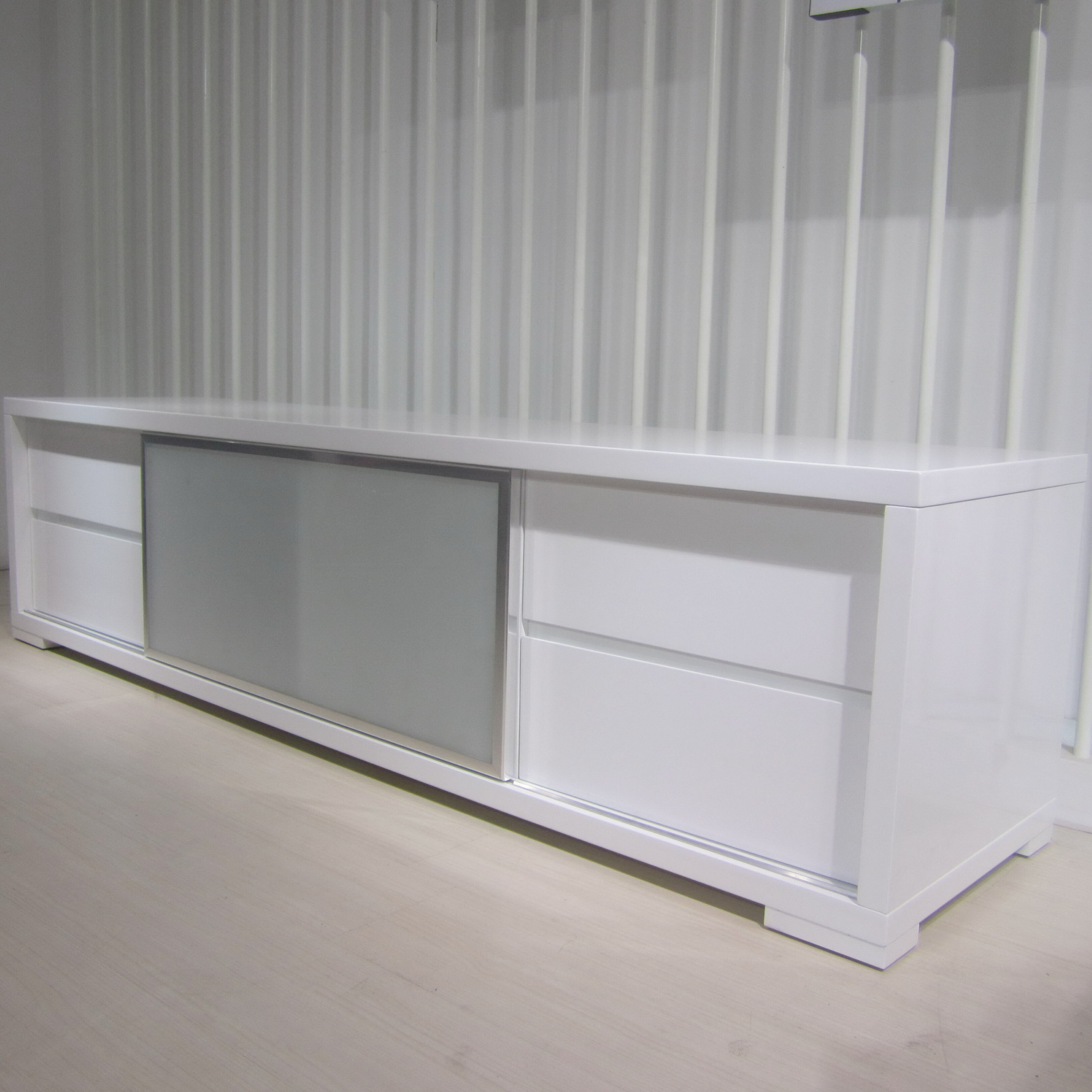 Pineto TV Unit