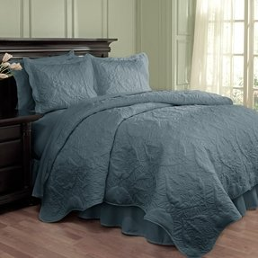 4 Piece Dressed Up Damask Scalloped Quilt Set