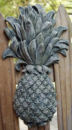 Pineapple Garden Plaque Wall Décor