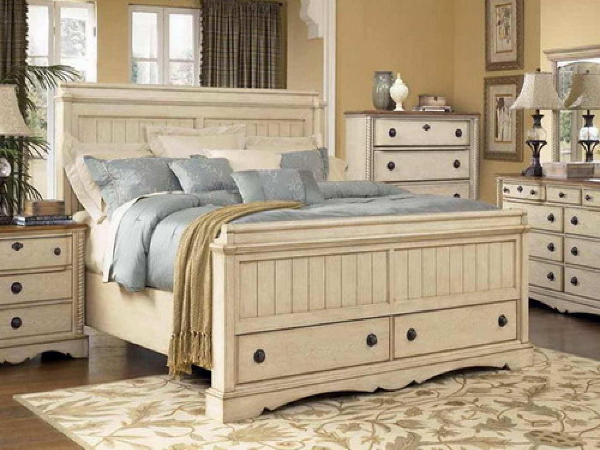 Distressed Wood Bedroom Sets   Ideas On Foter