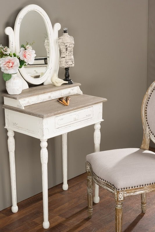 Old Fashioned Vanity With Mirror