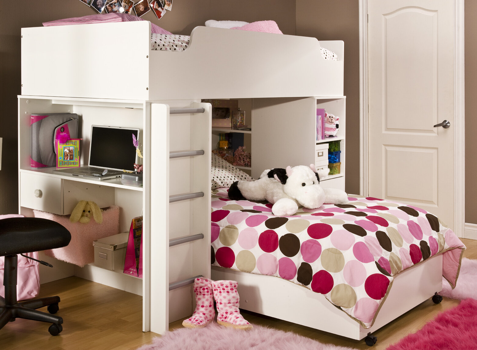 Space Saving Pine Wood Twin L-Shaped Bunk Bed