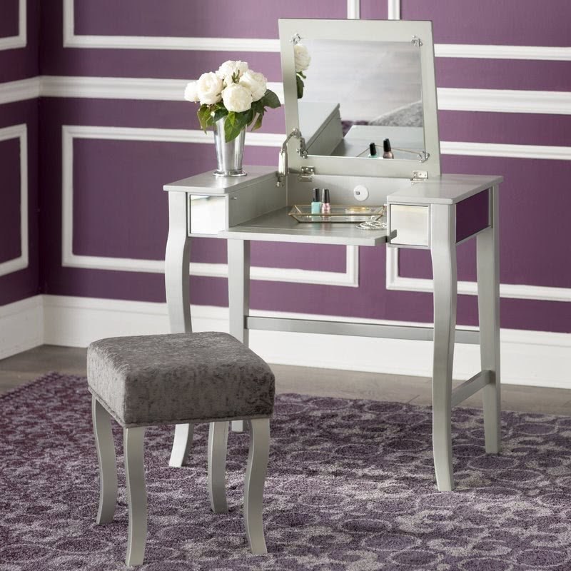 Square Shaped Vanity Set With Mirror