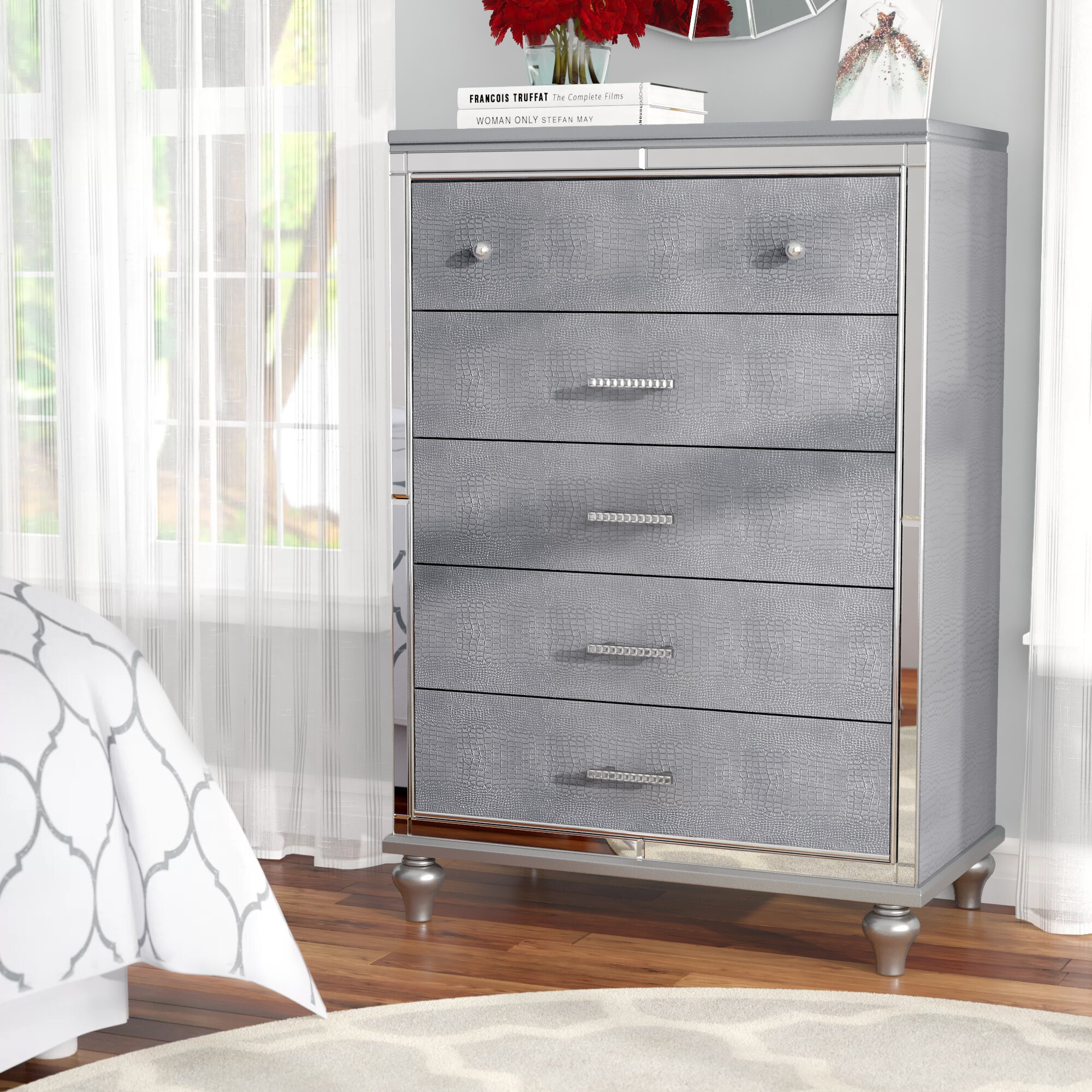 Valencia 5 Drawer Chest