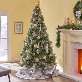 7' Green Spruce Artificial Christmas Tree with 650 Clear Lights