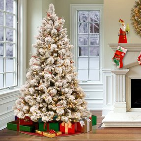 Snowy 7.5' Frosted Green Pine Artificial Christmas Tree with 700 Clear Lights