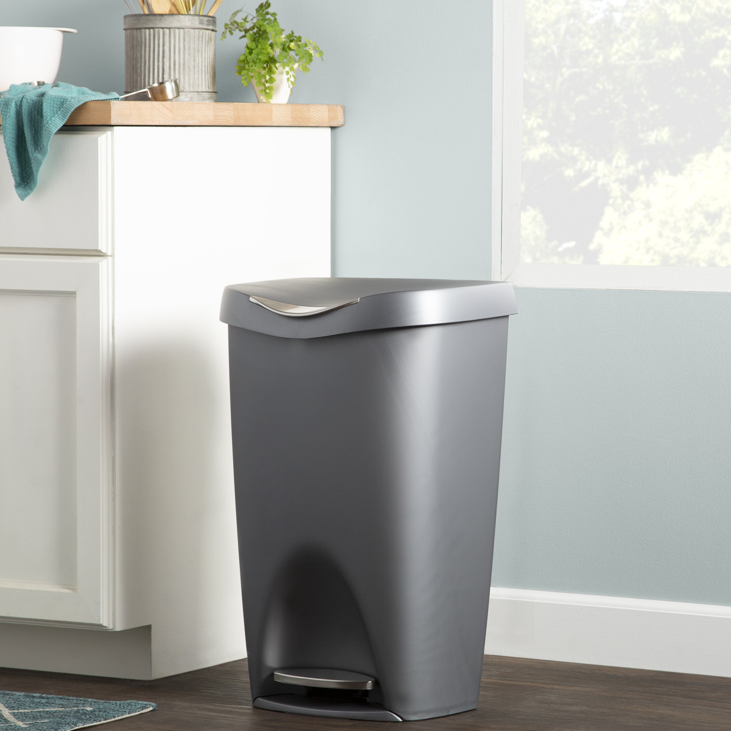 Wayfair Basics Plastic 13 Gallon Step On Trash Can