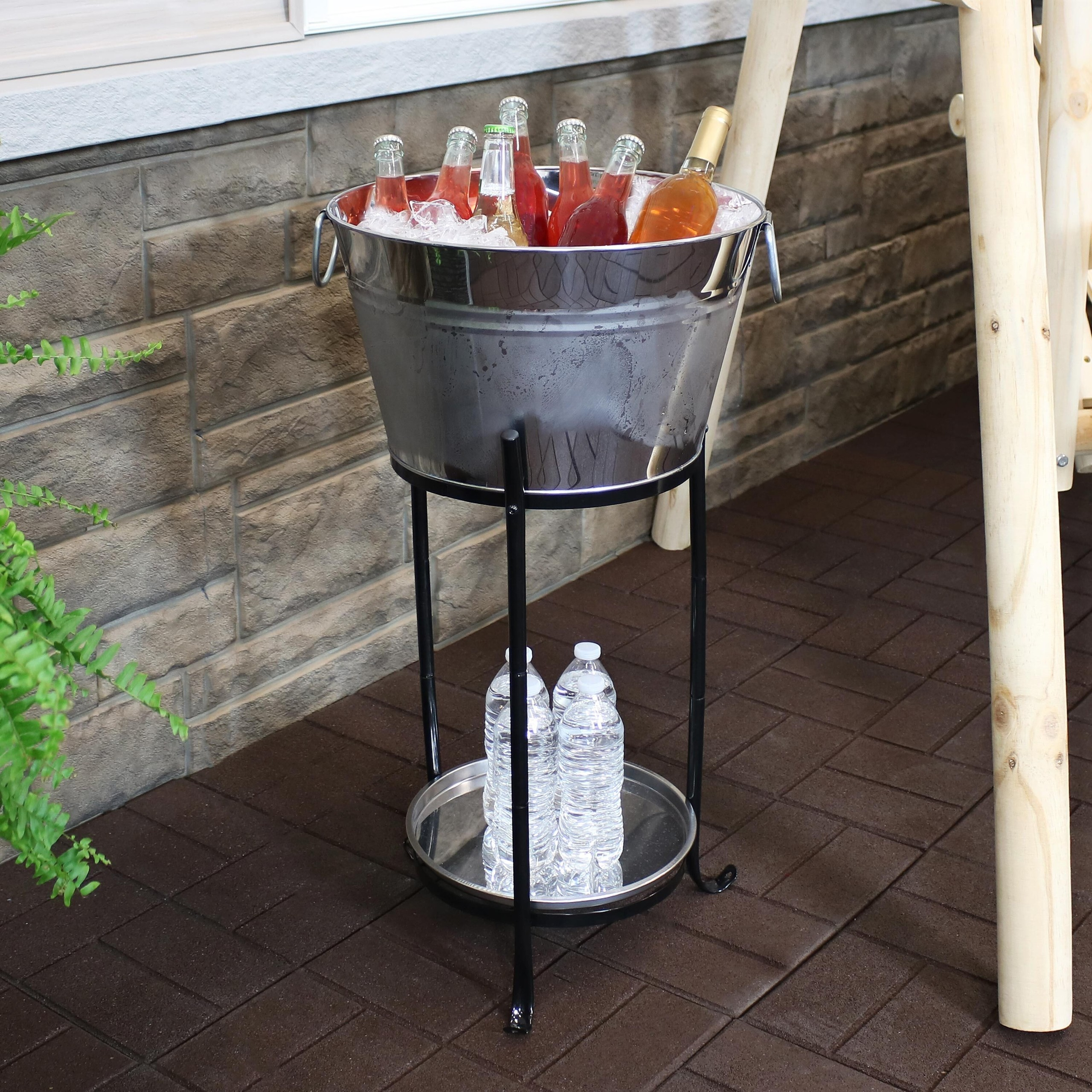 How To Choose An Ice Bucket & Wine Chiller