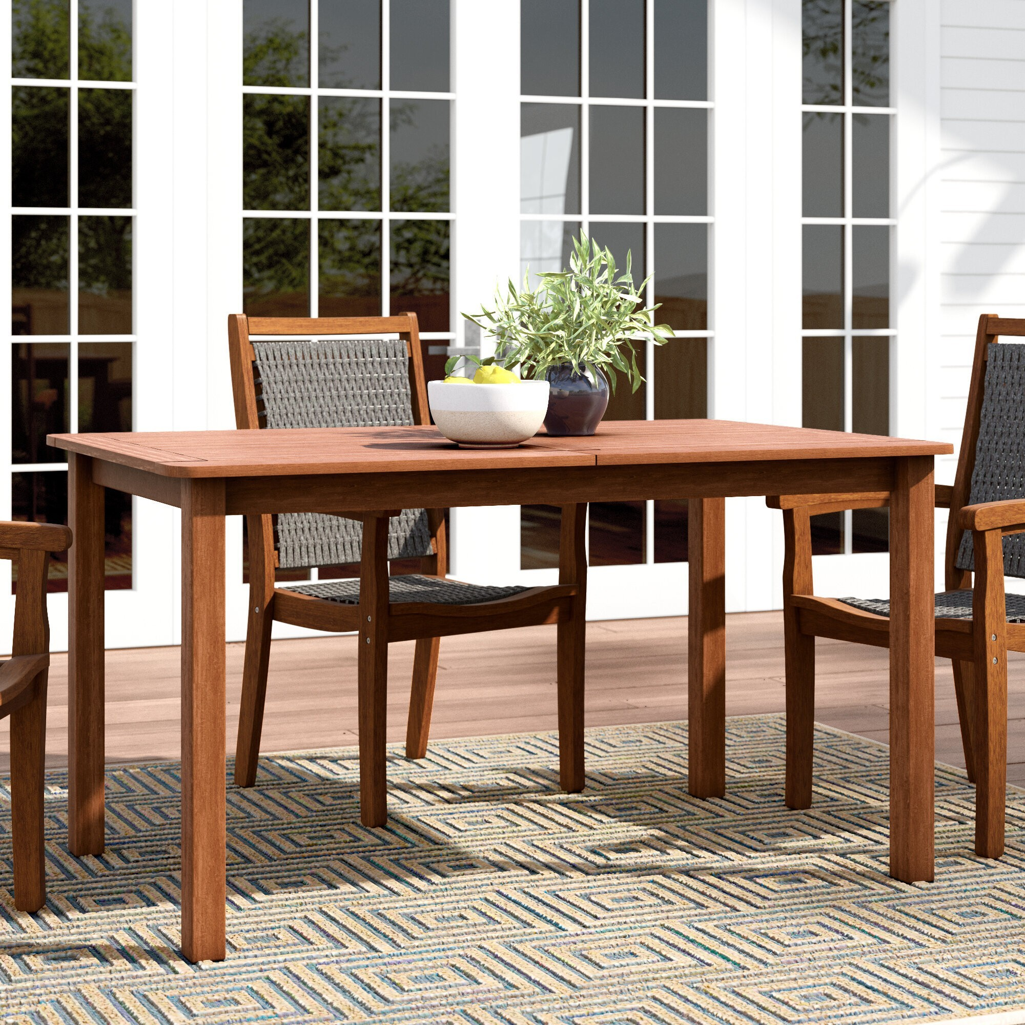 How To Choose A Patio Dining Table