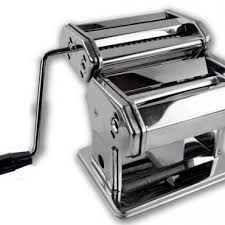 How To Choose A Pasta Maker & Accessories