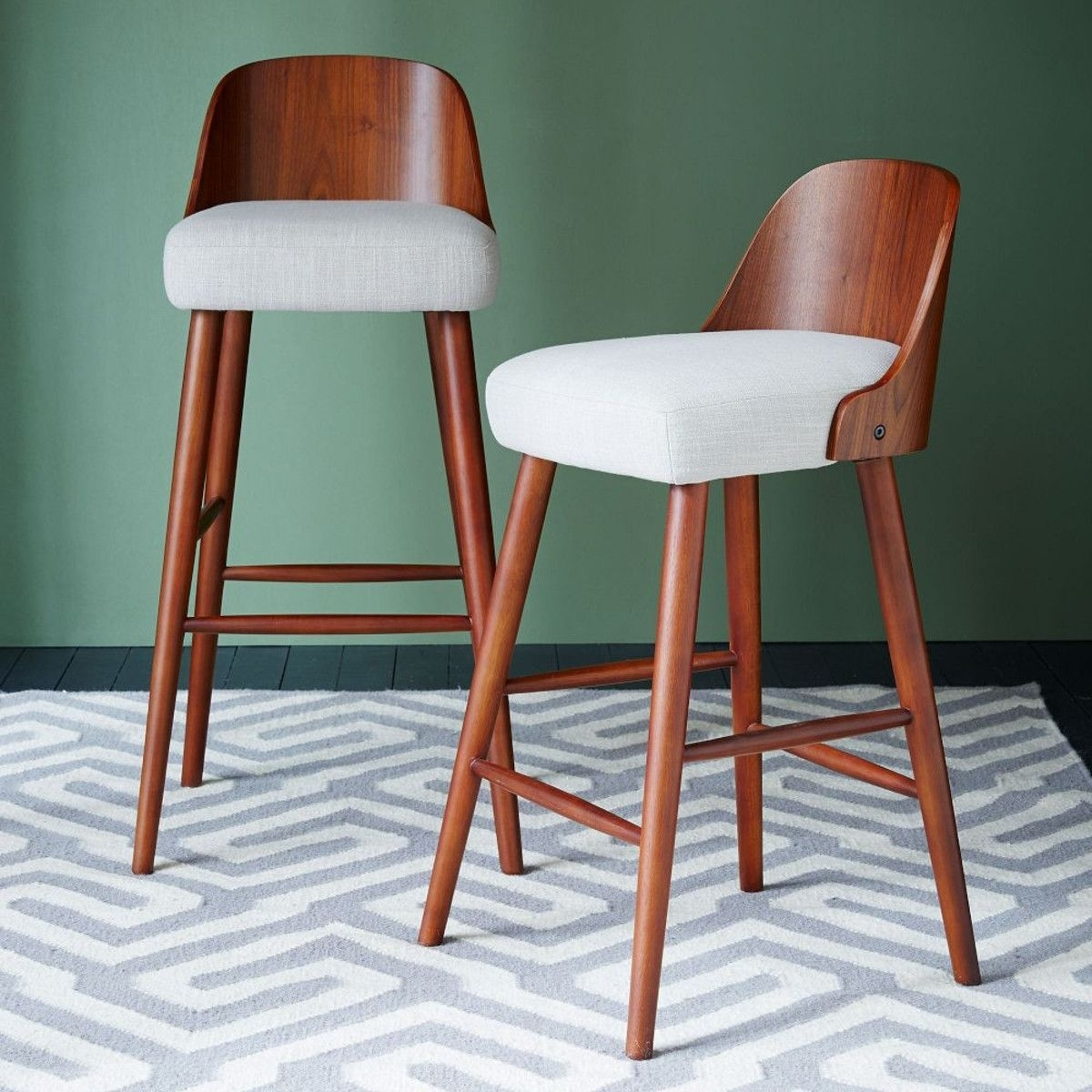 Image of: Curved Back Bar Stool Ideas On Foter
