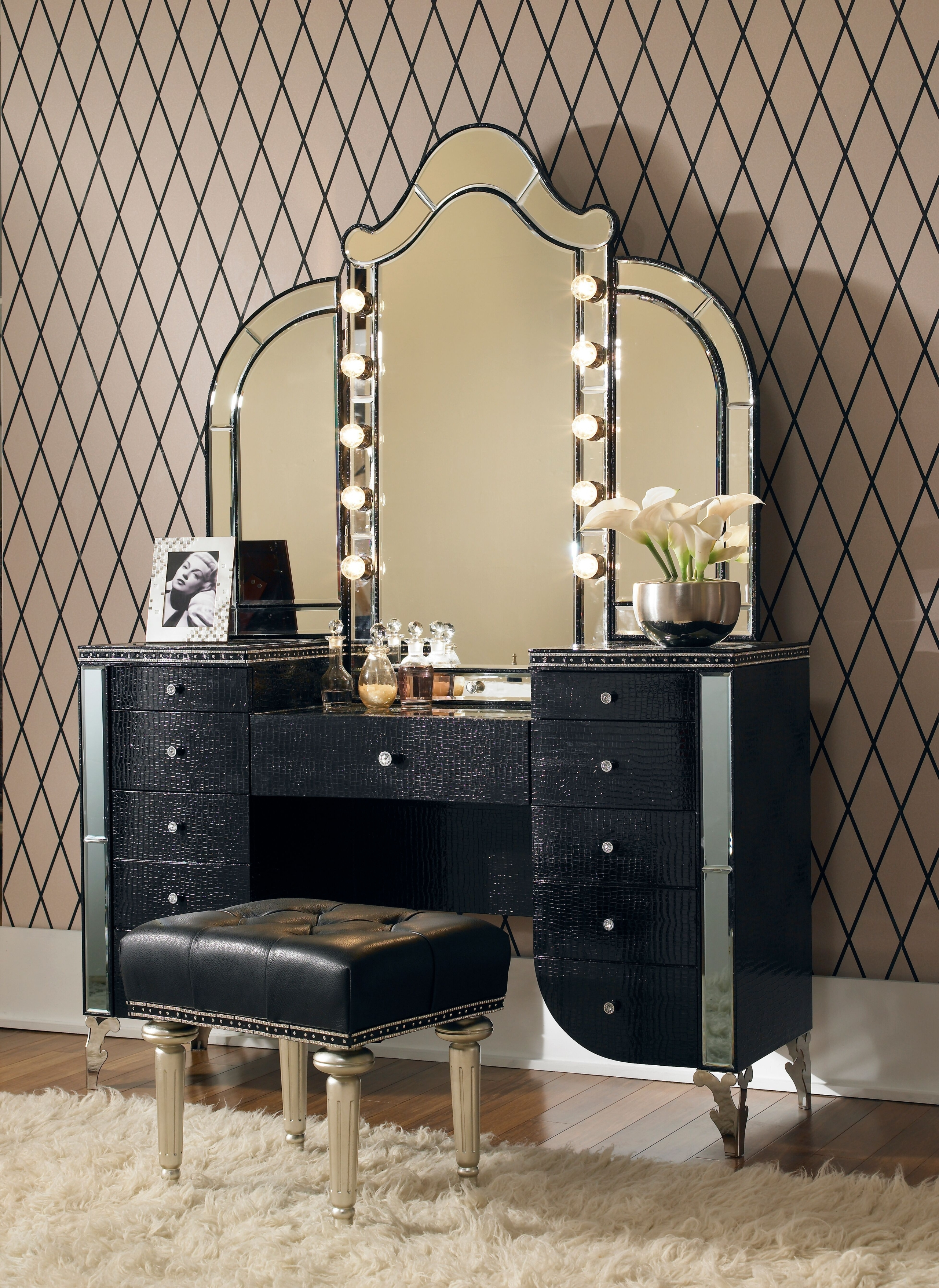 Makeup Table With Mirror And Chair