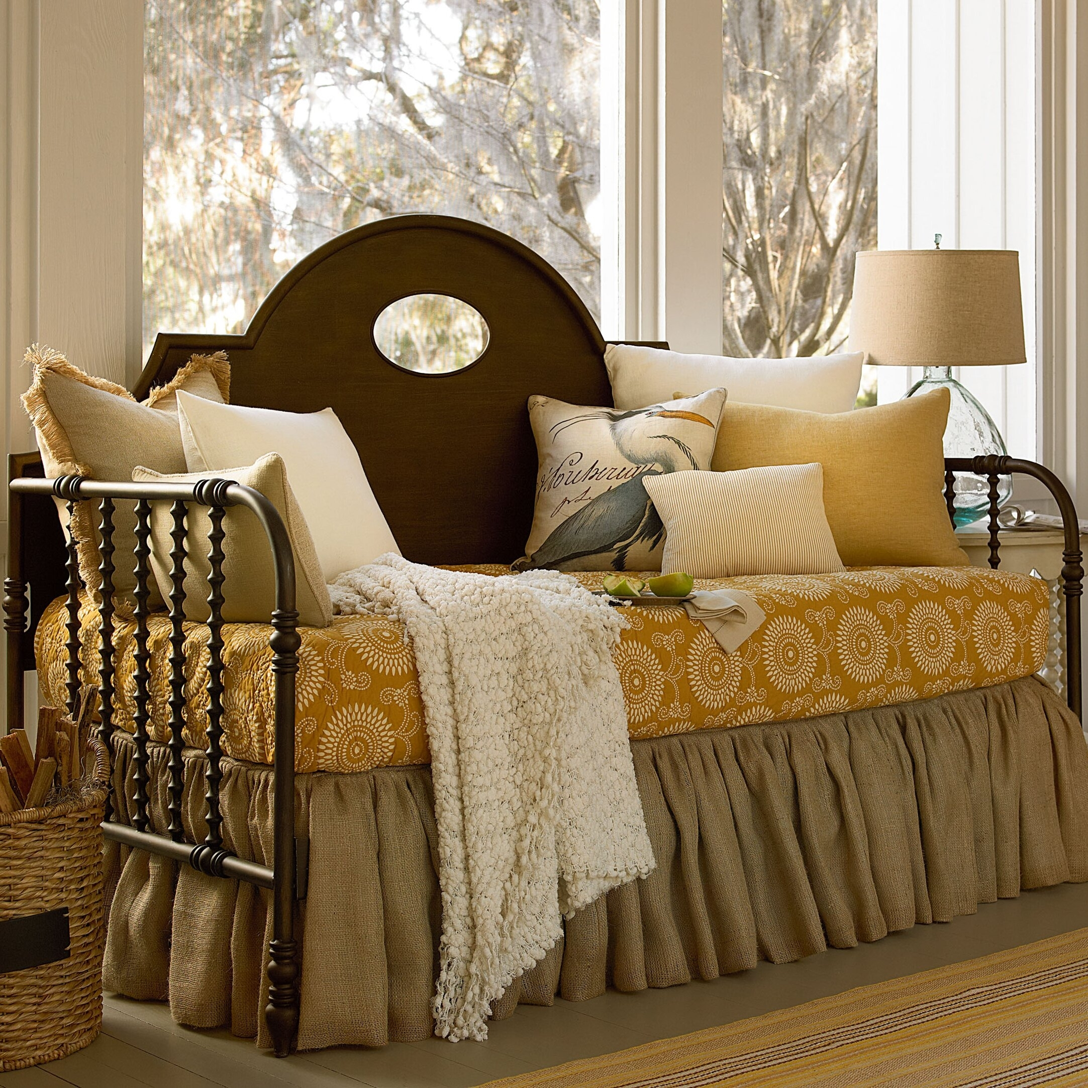 Image of: Paula Deen Daybed Ideas On Foter